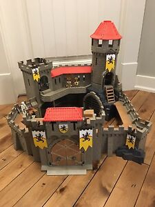 Playmobil large knight castle