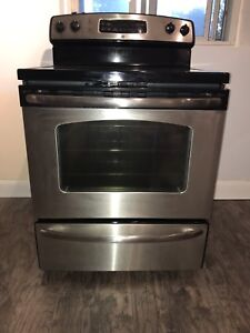 *** GE STAINLESS STEEL STOVE ***