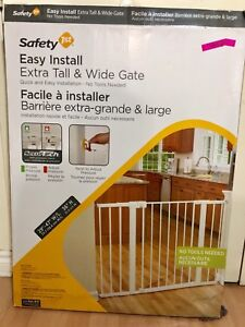 Safety first Kids safety gate* like new* never used