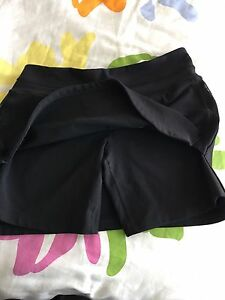Lululemon running skirt size 8