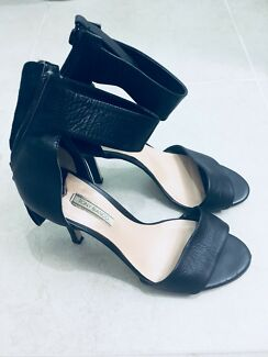 Gorgeous Tony Bianca heels size 8.5 for sale