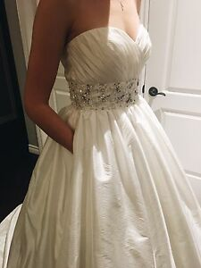 Mori lee 4963 wedding gown size 8 US ivory