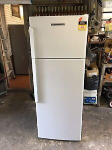 Fisher and paykel 411 L frost free fridge freezer 9 MONTHS OLD! Bexley Rockdale Area Preview