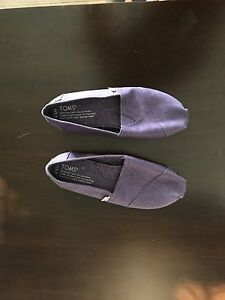 TOMS - Brand New - Size 5.5