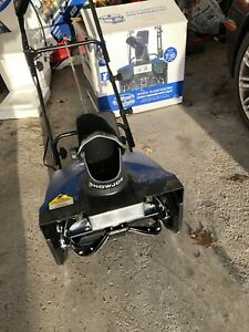 """18"""" 15 amp electric Snow thrower w 100ft extension cord"""