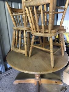 SOLD pending pick up - Round dining table