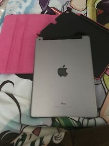 IPAD 9.7 inches wifi + cellular with box and case