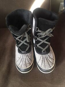 Women's sorel winter boots in great condition