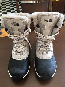 North Face women winter boots  6.5