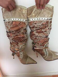 Ladies boots  size 7 Sumner Brisbane South West Preview