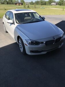 2014 sedan 328 xi drive BMW - FULLY LOADED WITH OPTIONS