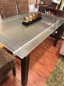 Glass top dining table Fyshwick South Canberra Preview