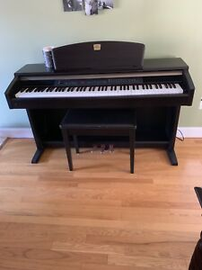 Yamaha Clavinova ClP -130 Electric Piano