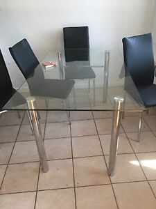 Table 5'X3' en verre / glass dining table