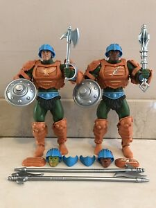 MASTERS OF THE UNIVERSE CLASSICS ETERNIAN PALACE GUARDS FIGURES
