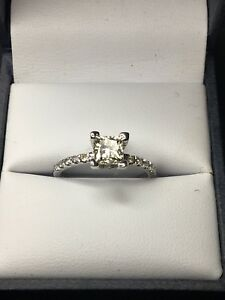 0.75ct Diamond Ring