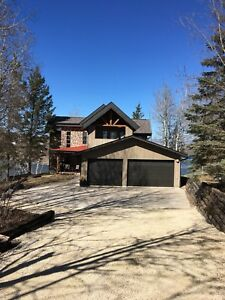 Beautiful Lake Front  Cottage/ Home for Rent on Lee River,Mb.