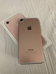 iPhone 7 32gb factory unlocked rose gold in mint condition 260$