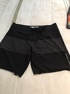Board Shorts Billabong & Rip Curl x 3 Point Clare Gosford Area Preview