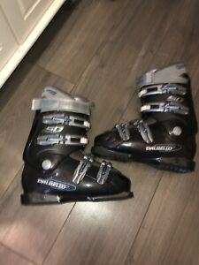 Ski boots size 8 men's or 9 lady 26mondo