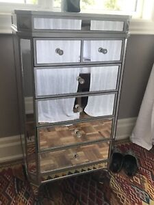 Mirrored glamour jewelry chest
