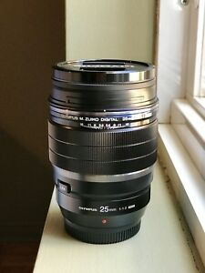 SAVE 775$!!! Like New Olympus 25mm f1.2 Pro lens