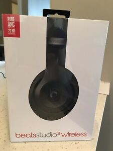 New/sealed Beats studio 3's