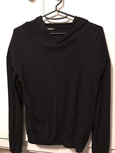 Aritzia clothing clear out