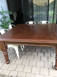 Dining table Forest Glen Maroochydore Area Preview