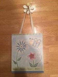 Picture and flowered peg