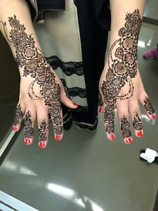 Stylish HENNA SERVICES on all special occasions