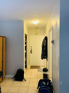 Lease transfer of quiet downtown Montreal studio apartment
