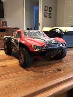 TRAXXAS slash vxl 4x4 rc car