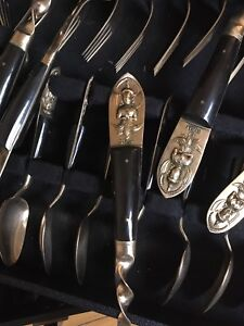 96 Piece Cutlery Set