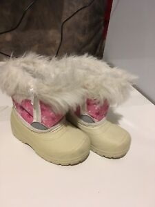 Winter boots size 5. Girl. Georgetown/Mississauga/Toronto