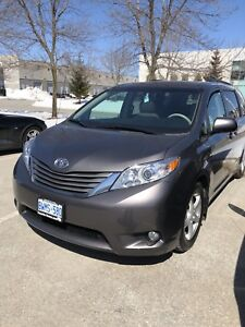 2013 Toyota Sienna XLE // All Leather