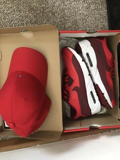 Red Air Max shoes + Red Tommy Hilfiger hat