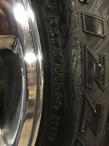 275/55/20 GMC rims and tires