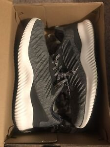 Selling Adidas Alphabounce
