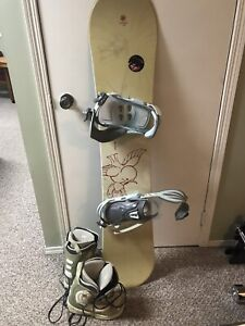 Woman's snowboard bindings and boots