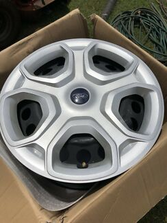 """Ford 17"""" Steel Rims and Hub Caps Wondecla Tablelands Preview"""