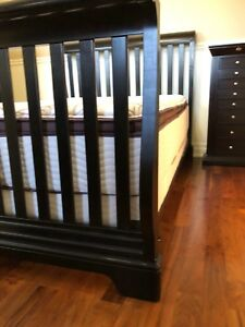 Bedroom set/Convertible bedroom Set