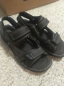 BRAND NEW Men's size 11 Sandals