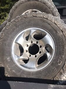"8x6.5 dodge chev wheels and 35"" tires"