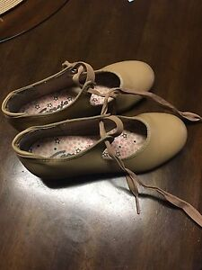 Tap shoes size 1 gently worn