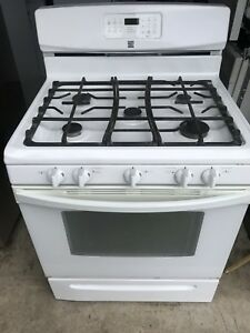KENMORE GAS STOVE FOR SALE. MINT CONDITON