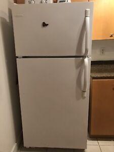 Frigidaire Fridge Gas Stove Microwave Owen Dishwasher
