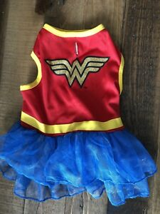 Small dog Halloween costumes - Wonder Woman and Super Girl