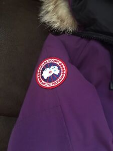 Canada goose ladies bomber jacket medium