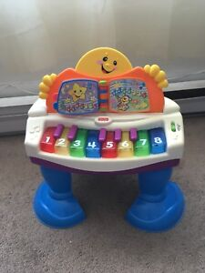 Toy piano for toddler